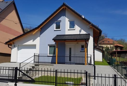 ENTONI  - foto malé dřevostavby na klíč z Vysočiny, montovaný dům pro mladé a seniory