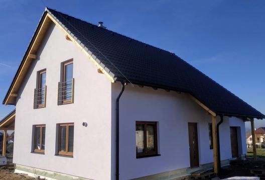 Dřevostavba ENTONI Vysočina, podkrovní dům s garáží a terasou